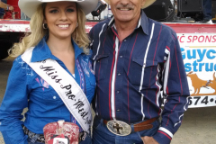 Tom_with_2016_Pro_West_Rodeo_Queen